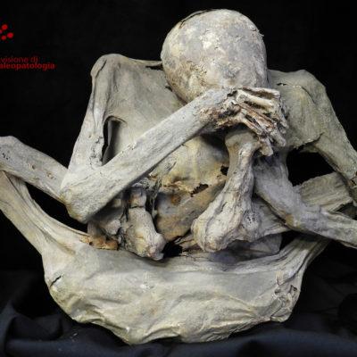 Mummia precolombiana